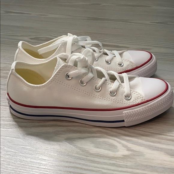 Women's Size 6 White Converse NWT
